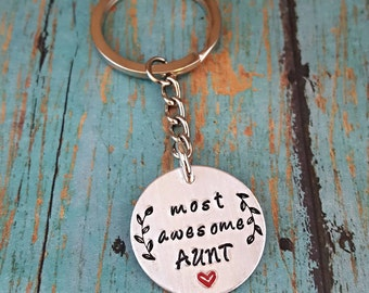 Aunt Keychain - Aunt - Gift for Aunt - Favorite Aunt - Auntie - Tia - Gift for Her - Cool Aunt - Aunty - Aunt Gift