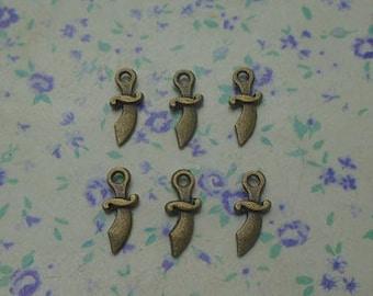100 pcs of antique bronze color metal mini knife pendant charm , 11*4mm , MP1022