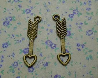 50 pcs of antique bronze color metal Cupid's heart arrow pendant charm , 30*7mm , MP1142