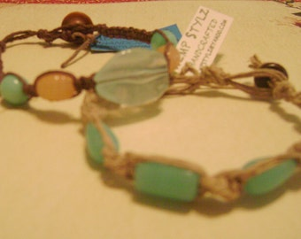 Reduced Two hemp bracelets with glass beads