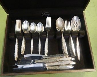 Lunt Lace Point Sterling Silver Flatware Set 50 pc Knives Forks Spoons