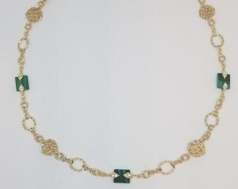 Malachite short necklace