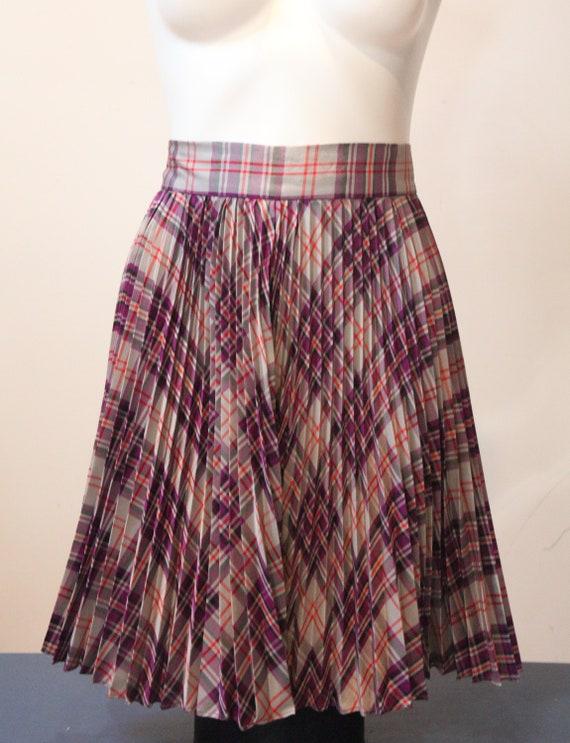 Lovely Vintage Pleated Plaid Taffeta Skirt