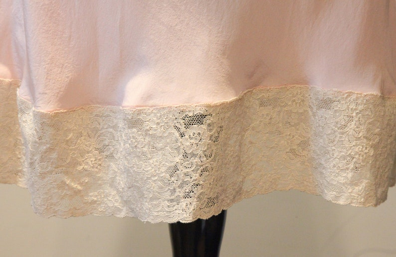 Beautiful Vintage 1940/'s Silk Slip with Lace Detail-Pink Silk Ivory Lace