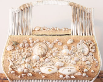 Wonderful Vintage Handbag-1960's STRAW WORLD Seashell+Straw-Vintage Beach Bag