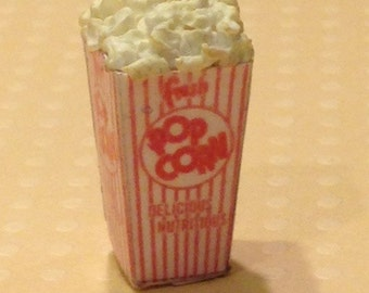 Dollhouse Miniature Food - Miniature polymer clay popcorn in vintage popcorn box