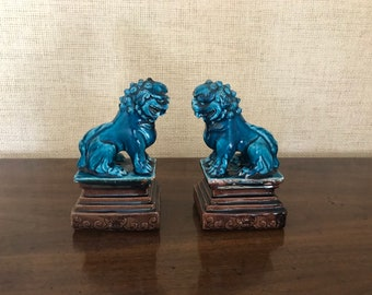 Chinese Studio Pottery Guardian Foo Dogs / lion Statues Figurines - Pair
