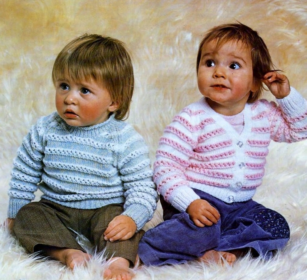 15d97c171ba8 Baby V-neck Cardigan and Jumper in DK 8 ply yarn for sizes
