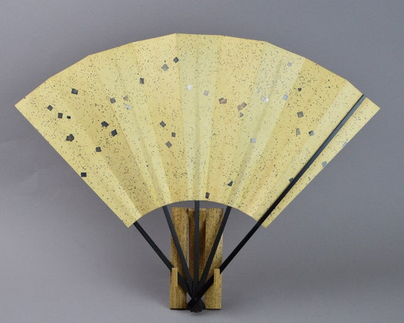 VTG HAND PAINTED BLUE EXOTIC FLOWER JAPAN PAPER BAMBOO WOOD FOLDING SENSU FAN