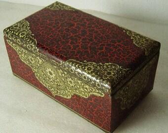 Art Deco tin box with oriental pattern