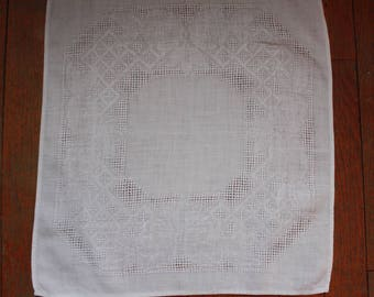8 White Vintage Damask With Cutouts