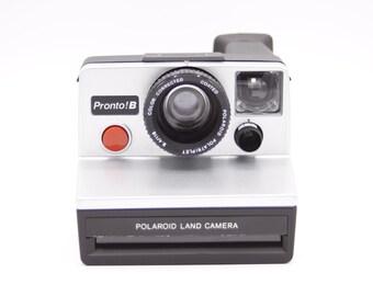 Polaroid Camera // Pronto! B // SX-70 Film // Tested & Working