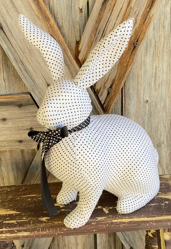 Sitting Bunny Black & White, Wreath Supply