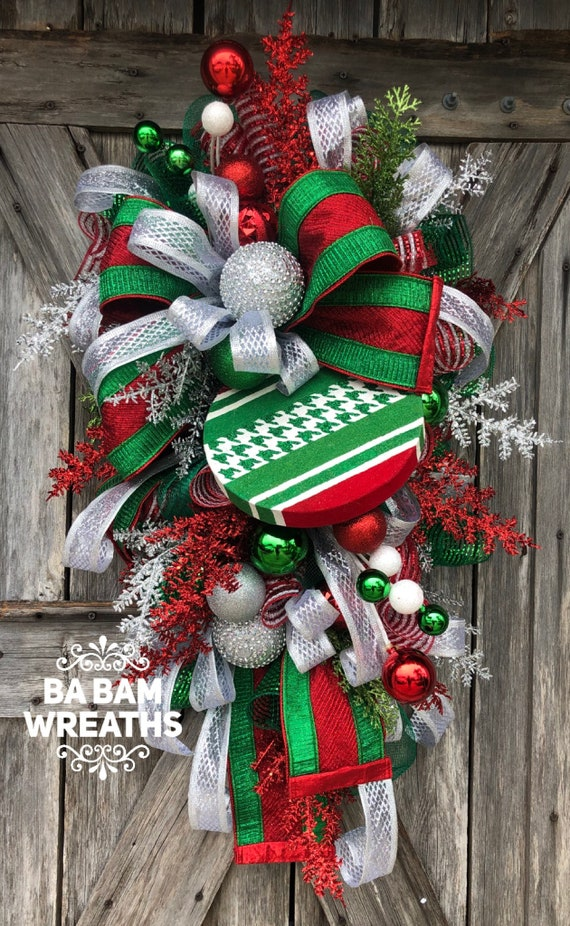 Christmas Wreath, Christmas Door, Christmas Decor, Holiday Wreath, Traditional Wreath
