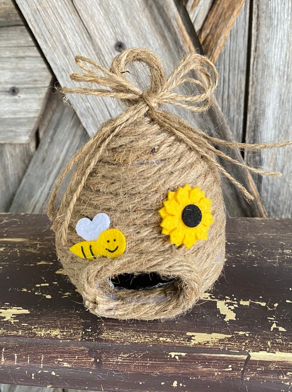 Bee Hive, Wreath Supply