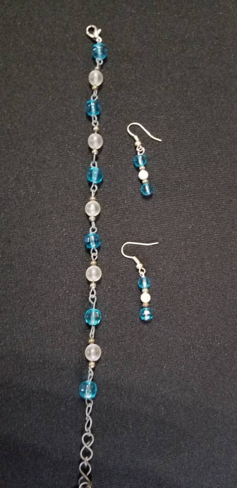 Frosted White and Blue Beaded Bracelet /& Earring Set ~ Beautiful Wedding Gift Set ~ Unique Gift under 10 ~ Beautiful Graduation Gift
