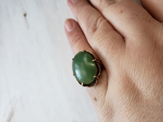 Estate 1950s 1960s Gold and Jade 10K Yellow Gold a