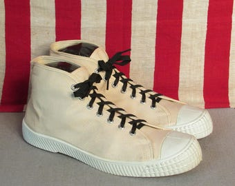 669679b410f0 Vintage 1960s Dash White Canvas Hi-Top Basketball Sneakers Sz.11 NOS Shoes  Nice!