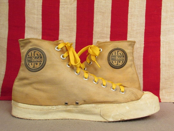 Vintage 1940s US Pro Keds Canvas High Top Basketball Sneakers Athletic Shoes 9.5