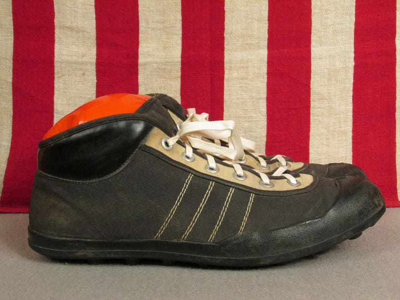 4f07c0bb0 Vintage 1920s Viking Football Rugby Sneakers Turf Cleats Size