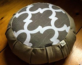 Meditation cushion zafu Taupe cotton fabric and Organic buckwheat hulls filling handmade by Creations Mariposa