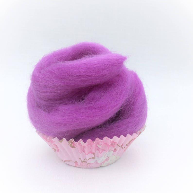 10g high quality merino wool roving Ideal for felting Purple M006. Wool felt supplies wet felting and spinning Needle felting wool