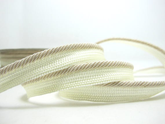 Sea Foam Lip Cording 1//2 Cord-Edge Lamps Piping Trim for Clothing Pillows Celery Green Piping Draperies 5 Yards