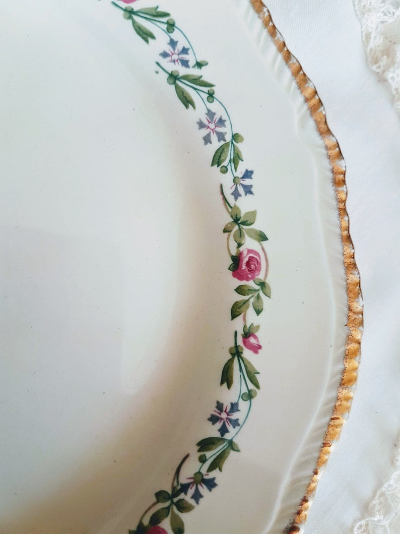 gold gilt green leaves 7/'/' china replacement pink and blue flowers Salad Plate vintage dinnerware Vintage Ridgway embossed edge 302