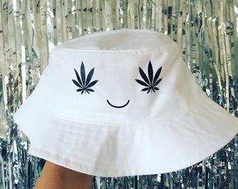 FASHIONISGREAT Boss Babe Bucket Hat