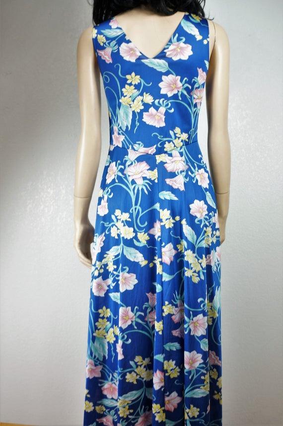 Stunning 60's Peignoir -  Vanity Fair Floral Nylo… - image 7