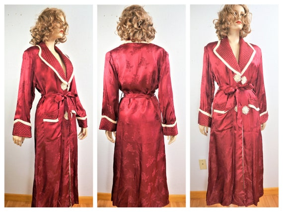 1940's Vintage Silk Chinese Style Robe / 40s Holly