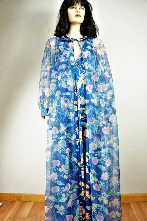 Stunning 60's Peignoir -  Vanity Fair Floral Nylo… - image 8