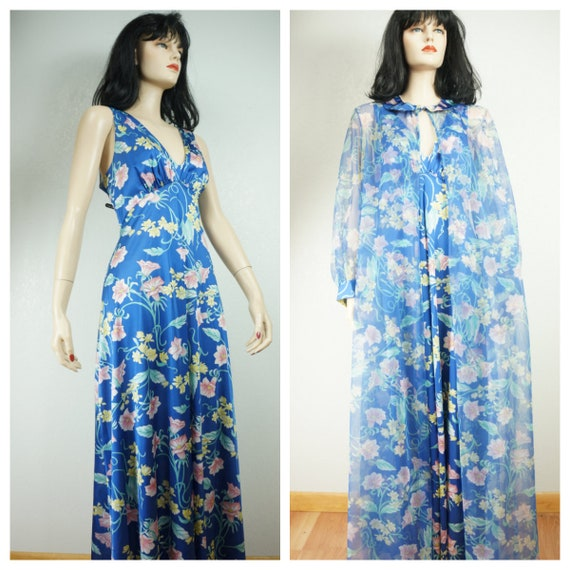 Stunning 60's Peignoir -  Vanity Fair Floral Nylo… - image 1