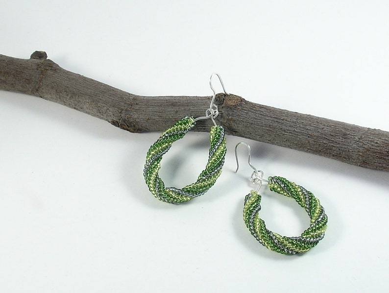 Woman earrings Green dangle earrings with beads and sterling silver