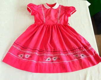 ae59469f9c1f Adorable vintage summer dress for a little girl. Handmade