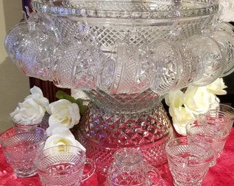 Vintage Anchor Hocking Wexford Punch Bowl Set in Original Box - 39 Pieces **MAKE AN OFFER**