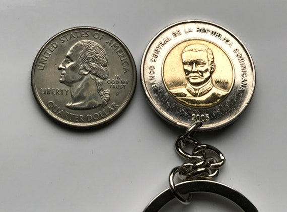 2 TYPES 2 BI-METAL 5 PESO COINS from the DOMINICAN REPUBLIC 2005 /& 2008