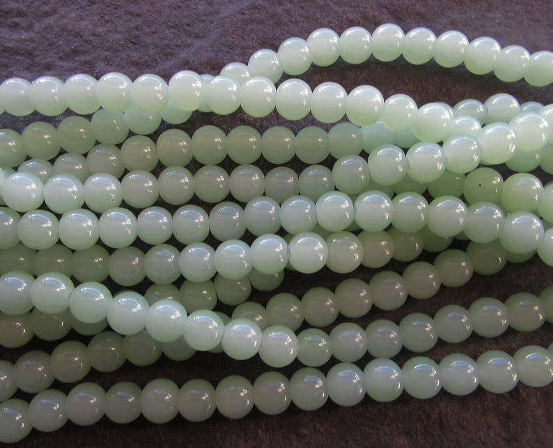 50 x Imitiation Jade Glass Beads Various Colours Available Round 8mm