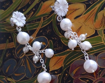 Pendant earrings with cameo and tuft of Freshwater pearls