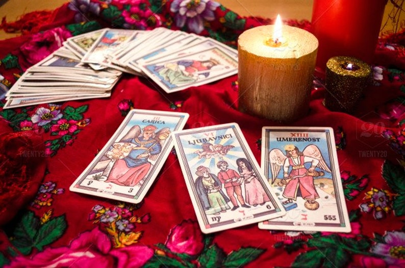 Madison : Divination tarot card reading