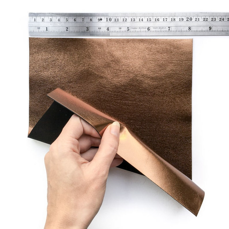 BRONZE Leather Sheet 6x6in15x15cm Genuine Metallic Leather 2.5oz1.0mm Dark Gold Lambskin Earring Pieces Shiny Metallic Scraps BRONZO 568