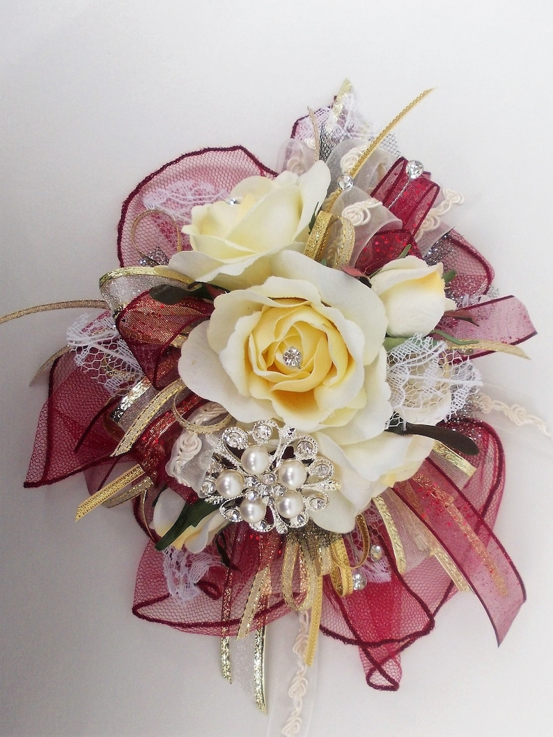PromHomecoming Vintage Corsage