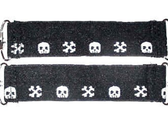 Black White Skull Bones Boot Clips 2 Boot Pant Clips Guards Stirrups Strong Durable FOE~  Mitten Clips Boot Blanket Suspender Guards