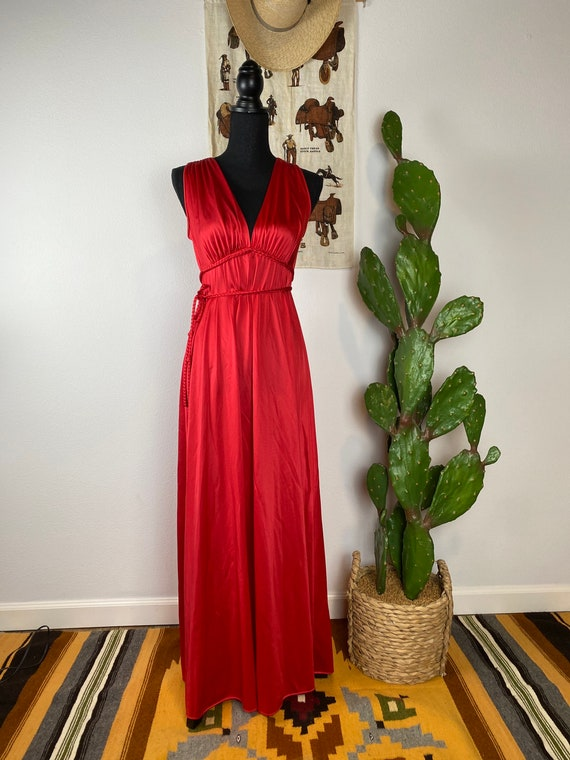 Vintage 1970s Vanity Fair Red Nylon Nightgown