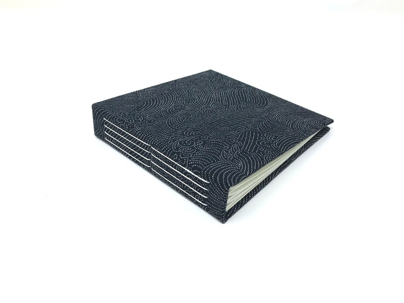 Mini photo album for Instagram or Instax prints. Holds 4 image 0