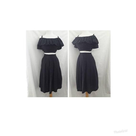 VLV 1950s Peasant Blouse and Full Skirt Set