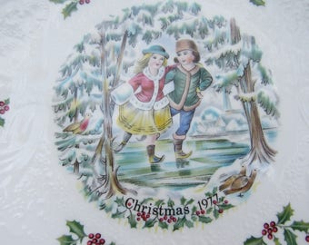 Vintage Christmas Plate 1977, Children Ice Skating, Mistletoe, Two Young Lovers, Royal Doulton Tableware, First in the Series, Birthday Year