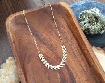 gold chevron necklace | arrow necklace | geometric necklace | delicate gold necklace | chevron chain necklace | layering necklace