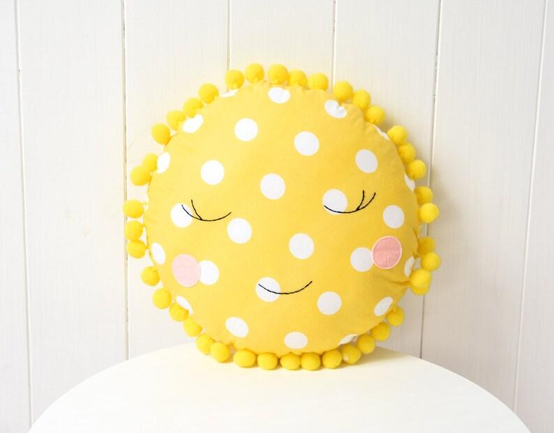Oreiller en forme de soleil - Créatrice ETSY : Jobuko
