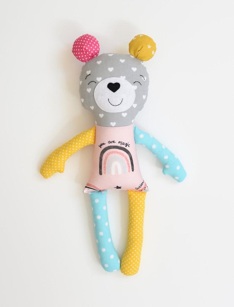 Ours peluche coloré - Créatrice ETSY par Jobuko